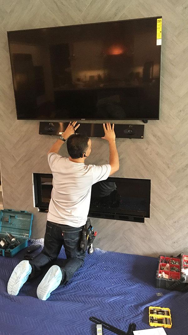 cctv-tampa-fl-cctv-parts-plus-flatscreen-install